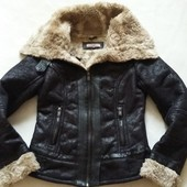 Стильная деми куртка фирмы Bershka p. 10/36 S