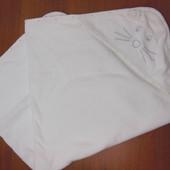 Белое махровое полотенце с уголком