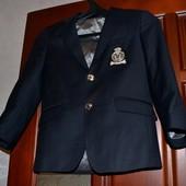 Стильный пиджак в первый клас
