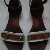 Босоножки  сандалии 36 размер
