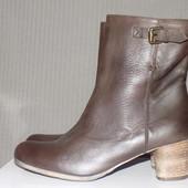 Кожаные фирменные стильные ботинки Pasito 41-41.5 р кожа везде