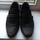 Мужские туфли фирмы Tjtj размер 39 длина по стельки от носка 28 см