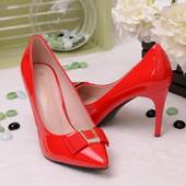 Классические женские туфли лодочки красного цвета