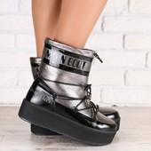 Зимние женские ботинки, комбинированные: черная лаковая кожа и платиновая гладкая кожа, на шнурках,