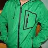 Фирменная спортивная курточка ветровка бренд Crivit л-хл .