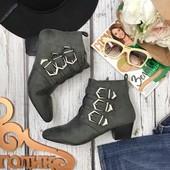 Трендовые ботинки Asos на скошенном каблуке с декоративными пряжками  SH3536