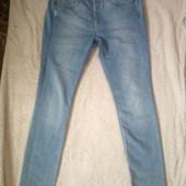 джинсы голубые чуть заужены
