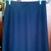 Темно синяя юбка в школу, пот 31, размер 40.