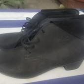 Шикарные новые ботинки из натурального нубука