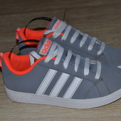 Adidas 32-33р кроссовки Оригинал
