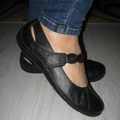 Мегаудобные кожаные туфли 39р 25,5см
