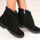 Женские зимние полуботинки, замшевые, черные, на меху, на шнурках, на низком ходу