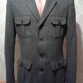 Мужской пиджак-полупальто в идеальном состоянии. 60 % шерсть. Р 48