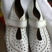 Туфли  из  натуральной  кожи  от  немецкого  бренда Medicus.