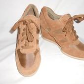 Стильные замшевые ботиночки, Германия 39 р (25,5 см)