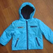Фирменная Rebel теплая деми куртка на 9-12 месяцев