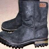Круті шкіряні утеплені чоботи s.oliver на тракторній підошві