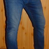 Стильние брендовие зауженние джинси брюки Denim л .34