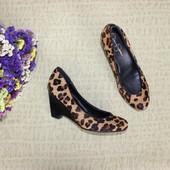 37 24см Jessica Simpson Меховые натуральные туфли на танкетке
