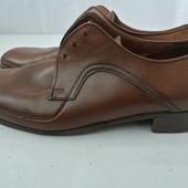 Мужские фирменные туфли Германия размер 6 наш 39, длина стельки 25,5 см.