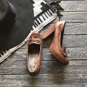 Кожаные туфли лоферы на каблуке р-р 40
