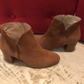 Ботинки із натуральної замші від Minelli,розмір 38,стелька 24,5