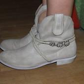 Стильные ботинки ковбойки