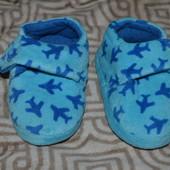 новые тапочки мальчику Mothercare 13 см стелька uk5 Англия