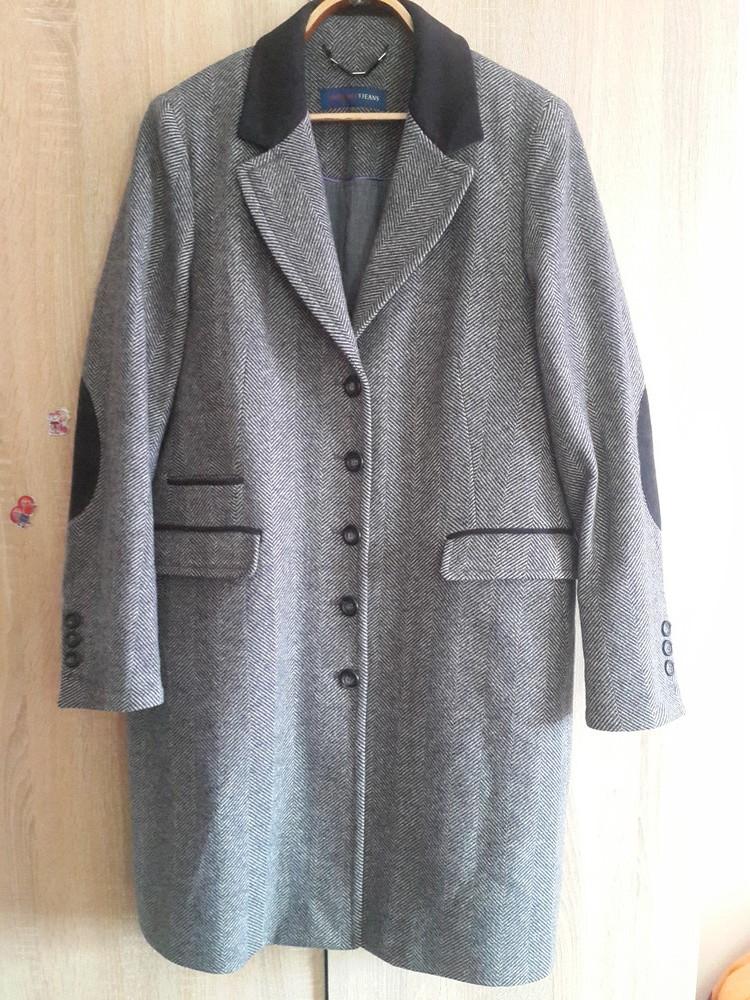 Trussardi jeans. стильное шерстяное пальто фото №1