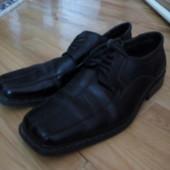 Добротні туфлі 43р,є нюанс!