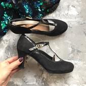 Замшевые туфли Clarks на устойчивом каблуке рр 40