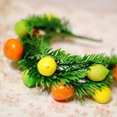 Новогодний обруч ободок венок с ветками ели и цитрусовыми