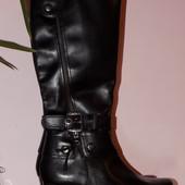 Кожаные фирменные стильные сапоги Janet 40 р - Новые