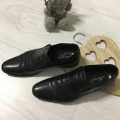 Кожаные классические туфли на мужчину или подростка, 40-41