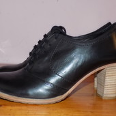 Кожа. фирма. качество. Стильные ботинки Португалия 40 р - Новые
