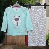 Шок цена  Флисовая пижама для девочки (98 см) Primark