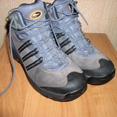 ТЕРМ0ботинки Adidas Gore-tex р.36,5