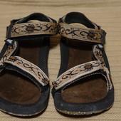 Капитальные фирменные текстильные сандалии Teva США 42 р.