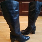 Утеплені Високі чоботи із натуральної шкіри 38 р-р і устілка 24 см. Гарний стан .