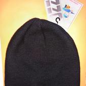 Новая фирменная шапка Ozzi & Berxon на флисовой подкладке. Размер универсальный.