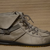 Очень симпатичные кожаные ботиночки в спортивном стиле Ecco Дания 39