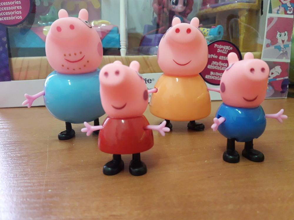 Набор фигурок peppa свинка пеппа-поросенок джордж-мама свинка-папа свин фото №3