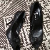 Туфли на шпильке для золушки) от Bata,  p. 35 кожа