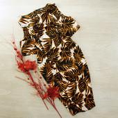 S-M Невероятное платье с вырезами на плечиках в пальмовые листы miss selfridge
