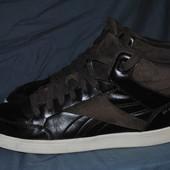 Лот №0353 Кожаные кроссовки Reebok на сезон деми (размер 42)