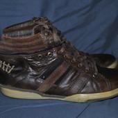 Лот №0356 Кожаные кроссовки bugatti (размер 46)