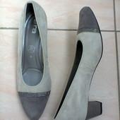 Замшевые туфли от немецкого бренда Ara.