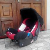 Німецьке автокрісло Romer Baby-Safe plus 0-13 кг. + адаптери