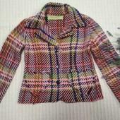Шикарный фирменный теплый пиджак жакет для девочки  6-8 лет