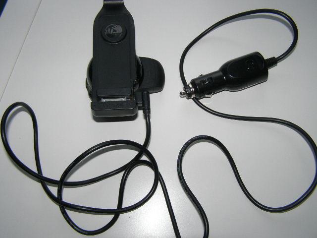 Автодержатель с зарядкой TomTom  для iPhone фото №1
